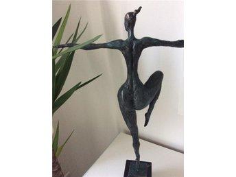 Skulptur i patinerad brons - Solna - Skulptur i patinerad brons - Solna