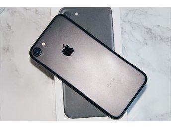 Apple iPhone 7, 128GB - Black (matt svart) Olåst. Apple garanti tom 20171102 - Handen - Apple iPhone 7, 128GB - Black (matt svart) Olåst. Apple garanti tom 20171102 - Handen
