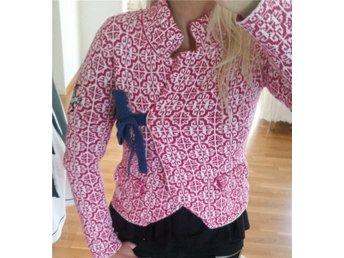 Odd Molly #233 Lovely Knit kofta Dark Scarlet stl.1 Fjärilslogga - Uppsala - Odd Molly #233 Lovely Knit kofta Dark Scarlet stl.1 Fjärilslogga - Uppsala