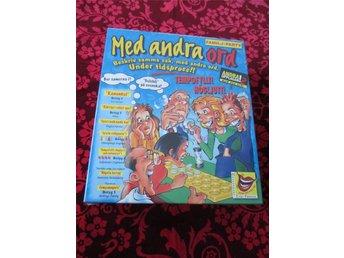 MED ANDRA ORD **NYTT/INPLASTAT!!** Andra upplagan (2001) - Båstad - MED ANDRA ORD **INPLASTAT!!** Andra upplagan (2001) Skickas väl inpackat! - Båstad