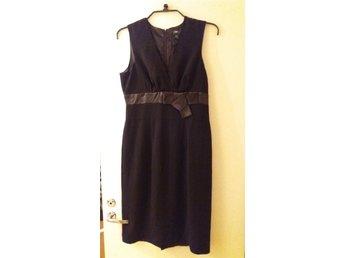 klänning med ärm