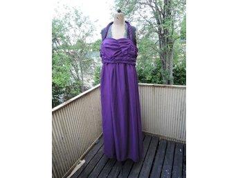 8731af60ef29 Festklänning strl L bröllop/middag/fest (344170771) ᐈ Köp på Tradera