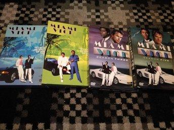 4 DVD BOX - Miami Vice - Hela Säsong 1, 2, 3 & 4 - Angered - 4 DVD BOX - Miami Vice - Hela Säsong 1, 2, 3 & 4 - Angered