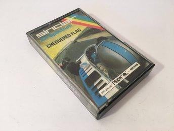Javascript är inaktiverat. - Hölö - Chequered Flag - ZX Spectrum - 1983 - Psion Ltd.TESTAD - går bra att ladda in och starta upp vid test - funktion i övrigt kan naturligtvis inte garanteras på grund av åldern - kassettband över 30 år gammalt.Testad på en Sinclair ZX Spectru - Hölö