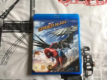SPIDER-MAN - HOMECOMING  *BLU RAY med SVENSK TEXT* FINT SKICK!