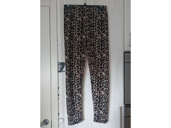 Mjuka bekväma fodrade leggins i leopard storlek one size - Västra Frölunda - Mjuka bekväma fodrade leggins i leopard storlek one size - Västra Frölunda