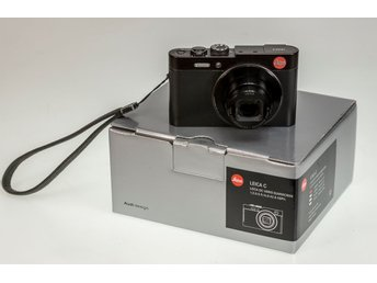 Leica C with 28-200mm Lens complete with 2 batteries,boxed,-Mint Condition
