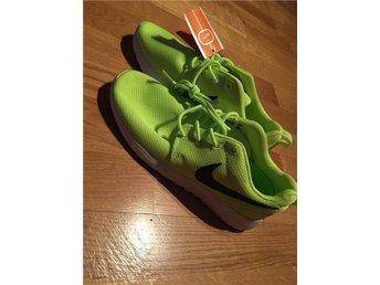 Skor Nike Roshe Run Storlek 38 DAM - Handen - Skor Nike Roshe Run Storlek 38 DAM - Handen