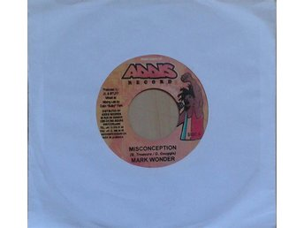 Mark Wonder / Chezidek ?*Misconception / Give Thanks & Praises* Switzerland7""