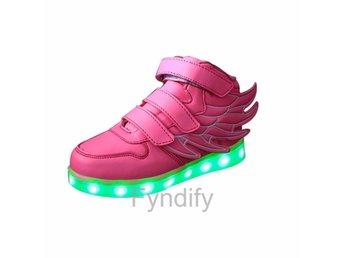 6482f0b670c Blinkande sko från Geox strl 29 (343119091) ᐈ Köp på Tradera