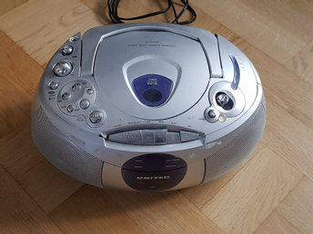 CD PLAYER STEREO RADIO CASSETTE RECORDER