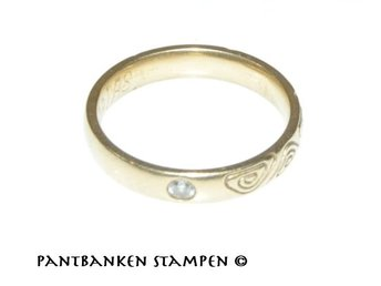 Mönstrad ring m brilj 0,045ct TW VS 18k 3,9gr Ø16,5mm,V10382