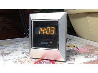 Clock Radio PHILIPS AJ3230 ! Fräckt Spegelglas i displayen !