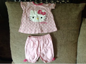 Hello Kitty set top och shorts rosa så söta 56