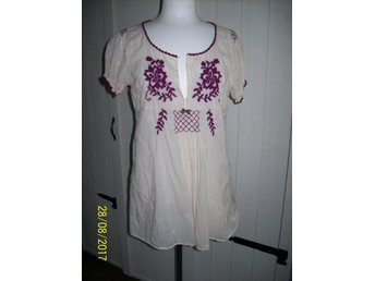 """Odd Molly blus #327 """"light cotton embroidered blouse"""" . stl 3 - Kvissleby - Odd Molly blus #327 """"light cotton embroidered blouse"""" . stl 3 - Kvissleby"""