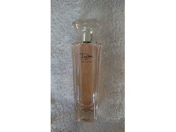 Tresor in love, Lancome. 75 ml eau de parfym, 75 % kvar.