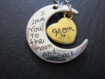 Halsband I love you to the moon and back - Mom
