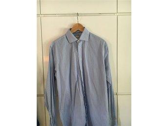 500 kr - Blåvit-randig skjorta från John Henric i storlek 41. - Bromma - 500 kr - Blåvit-randig skjorta från John Henric i storlek 41. - Bromma