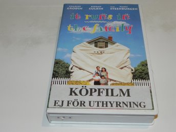 It runs in the family MGM/UA HOME VIDEO VHS