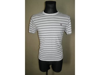 FRED PERRY Trendig Vit T-shirt stl. S