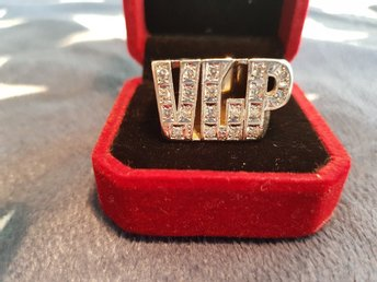 CUSTOM MADE 14K GOLD INITIAL RING WITH 19 DIAMONDS VLP