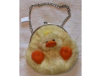Hand Väska i form av en kyckling, med kedja Retro 1980-tal - Väddö - Hand Väska i form av en kyckling, med kedja Retro 1980-tal - Väddö