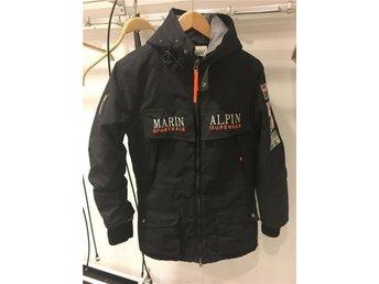Marin Alpin jacka (svart st L) - Ingarö - Marin Alpin jacka (svart st L) - Ingarö