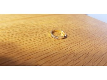 Ring med diamanter 18K 0,21ctv