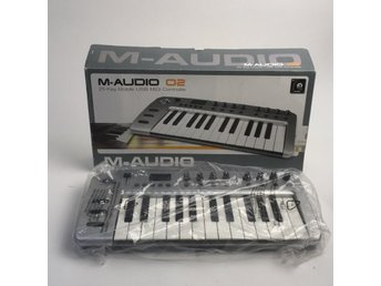 M-audio, Keyboard, O2 USB MIDI- KEYBOARD, Silverfärgad