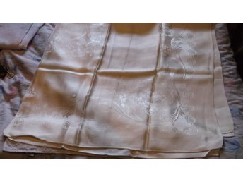 Silkes Duk 143x155 cm Silke Gul Vintage början på 1900-talet - Väddö - Silkes Duk 143x155 cm Silke Gul Vintage början på 1900-talet - Väddö