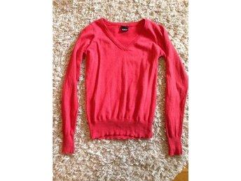 Cubus hallonröd tröja mysig v-ringad S/M röd hallon - Trollhättan - Cubus hallonröd tröja mysig v-ringad S/M röd hallon - Trollhättan