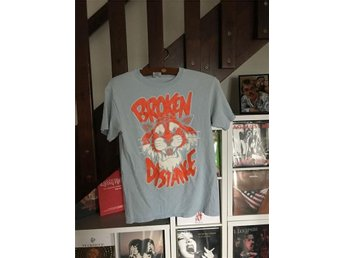 Broken Distance t-shirt (small) (Hardcore Punk Emo Rock)