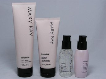 MARY KAY. TimeWise Miracle Set. NORMAL TO DRY SKIN