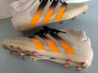 release date: 0afb9 b15f5 Adidas fotbollsskor storlek 38