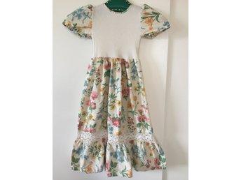 Vintageklänning barn 104 cl underbar! Retro - Spånga - Vintageklänning barn 104 cl underbar! Retro - Spånga