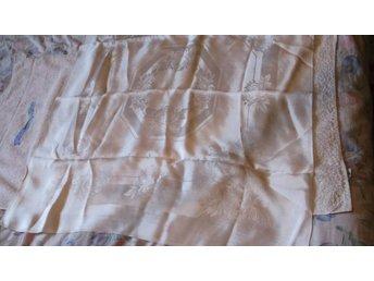 Silkes Duk 87x100 cm Silke Vintage från början på 1900-talet - Väddö - Silkes Duk 87x100 cm Silke Vintage från början på 1900-talet - Väddö