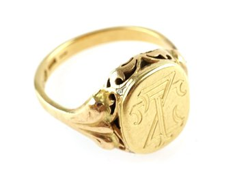 RING, 18K , 21,1mm, 5,89g, guld. klackring, monogram, b: 2,9-15,6mm.