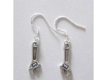 Skruvnyckel örhängen / Spanner earrings