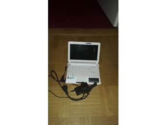 "3. Acer Aspire One  532H-2DS - 10.1"" - 1 GB RAM - 250 GB HDD"