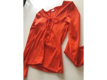 Röd / orange , Gina tricot , Henna topp med snörning storlek M - Gävle - Röd / orange , Gina tricot , Henna topp med snörning storlek M - Gävle