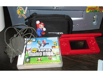 Röd Nintendo DS + New Super Mario Bros + laddare + fodral NDS