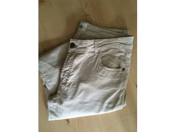 Beige jeans Isay st 42 Som nya!