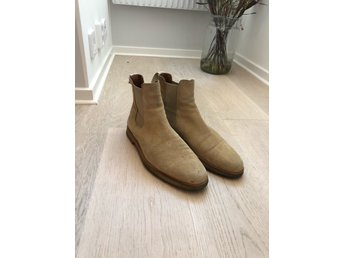 Common Projects Chelsea Boots, Beige