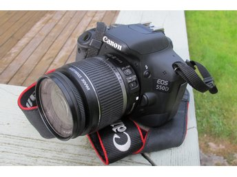 Canon 550D, mycket få exponeringar, fantastisk 15MP kamera med video i full HD.