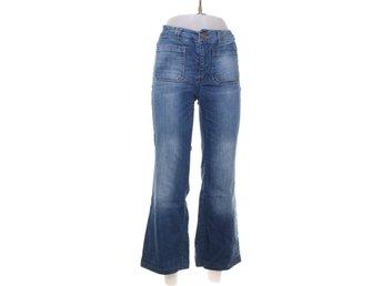 ONLY, Jeans, Strl: 28/34, Blå - Stockholm - ONLY, Jeans, Strl: 28/34, Färg: BlåVaran är i normalt begagnat skick. Om hur vi bedömmer skick: Varan säljs i befintligt skick och endast det som syns på bilderna ingår om ej annat anges. Vi värderar samtliga plagg efter 3 olika grader - Stockholm