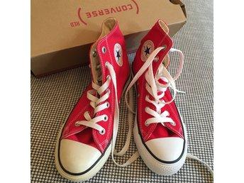 3479f1440fe Helt nya röda Converse sneakers storlek 3 (343368557) ᐈ Köp på Tradera