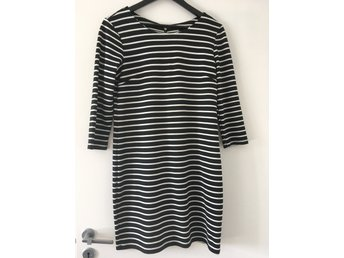 Randig klänning Vila Trinny dress storlek M (420777503) ᐈ