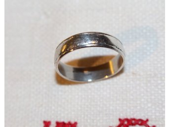 ÄLDRE RING 835 SILVER.