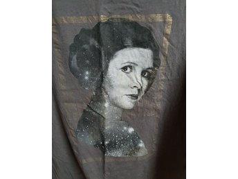 Star wars prinsessan Leia t-shirt från H M (340025229) ᐈ Köp på Tradera 68f0a28a7e833