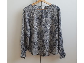 HM X William Morris & Co Blus topp strl 44